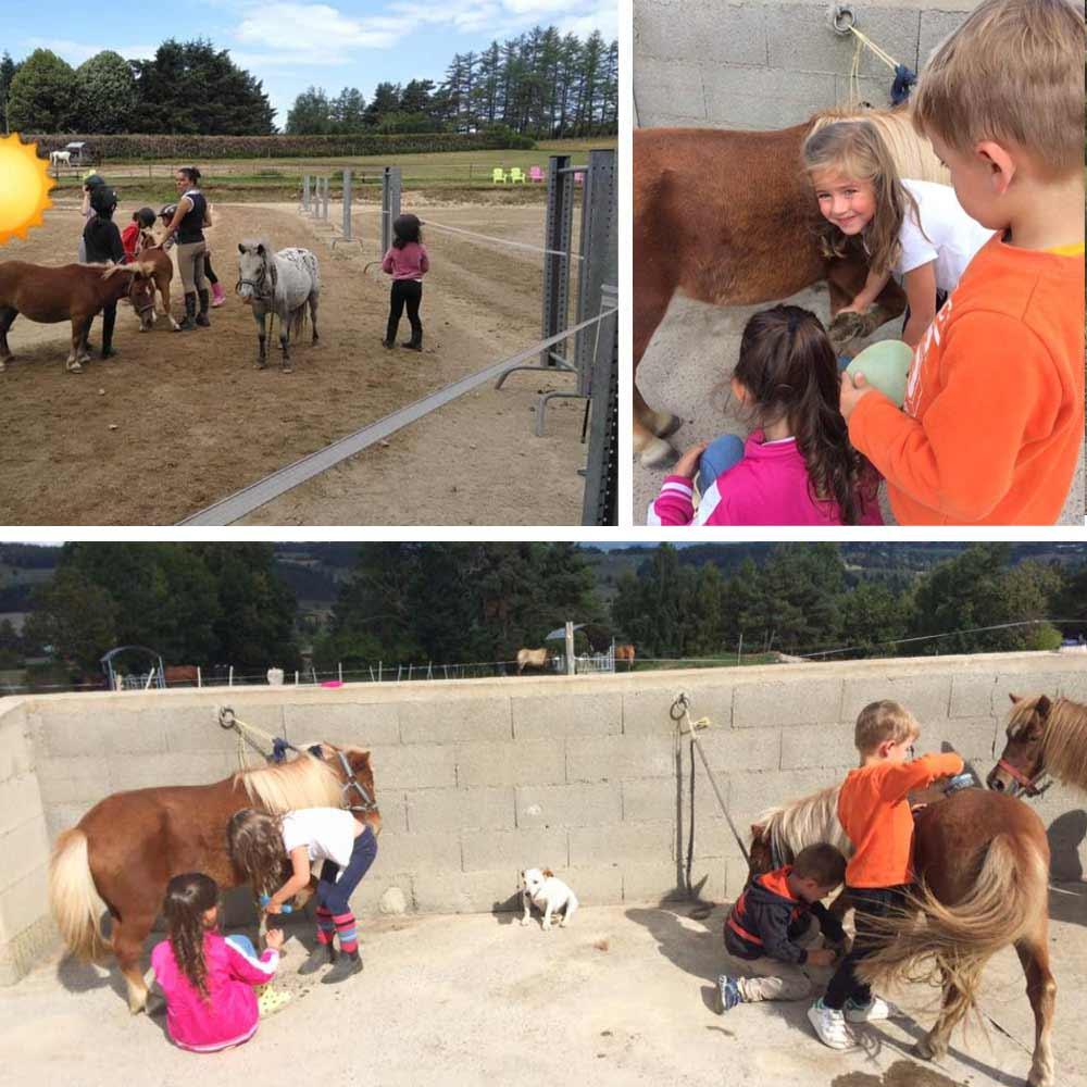 les enfants avec les poneys